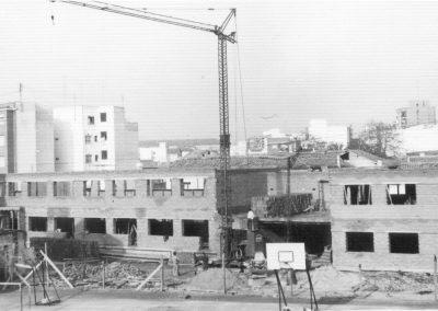 1977-010